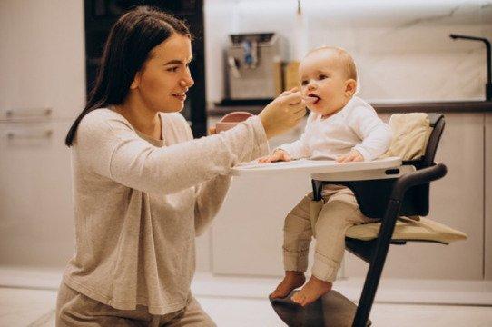 Makan bayi